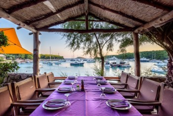 antropoti_wedding_planner_restaurant_toto_hvar_wedding_venues