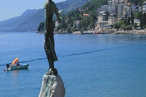Opatija Weddings in Croatia Maiden with the seagull290x290