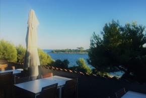 outdoor_restaurant_red_island_istria_weddings_in_croatia_antropoti_concierge_service